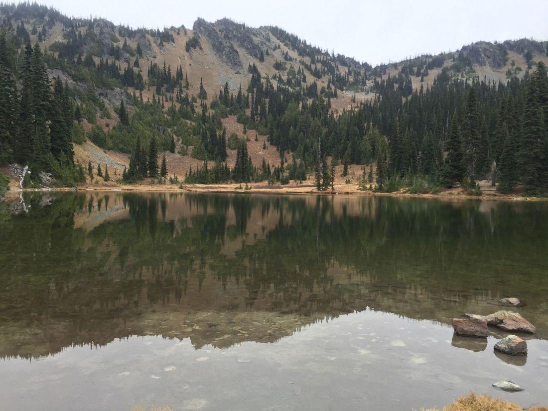 sourdough-gap-past-sheep-lake